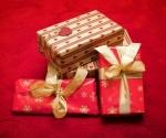 Dar naj spodbuja praznično razpoloženje