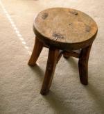 Extra stol kot detajl v vaši pisarni